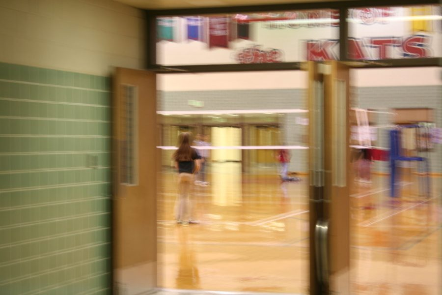 Students in an in-person gym class. It is unknown as to when in-person classes can resume. PHOTO CREDITS: PhotogragherGirl