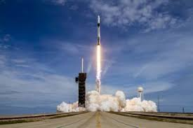 America launches to space;  Space X team led by Elon Musk takes off